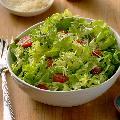 Зеленый  салат  ( листья салата, огурцы, оливковое масло ,бальзамический уксус)