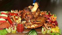Roast pork knuckle (For 4 persons) pork knuckle, sausages, chicken wings, vegetables, potatoes, pickles